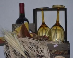 011 - Kit Casal com Vinho, taças e buquê de chocolate